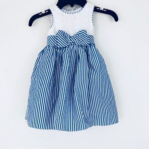 🦋🦋Beautiful blue and white striped flower dress